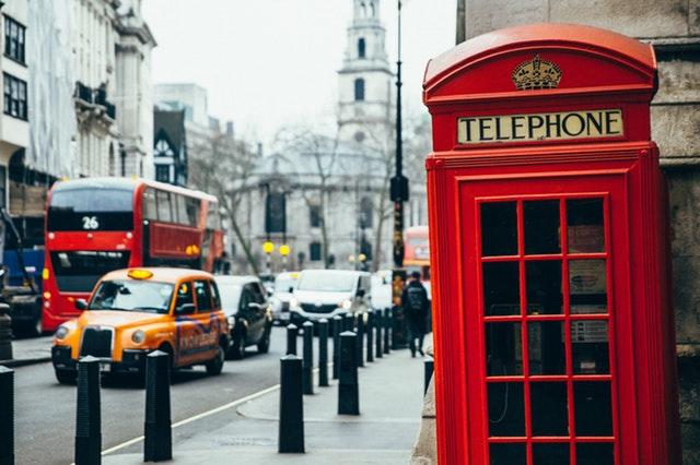 trasferirsi in Inghilterra